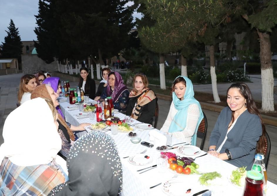 Мехрибан Алиева на церемонии ифтара - Фото