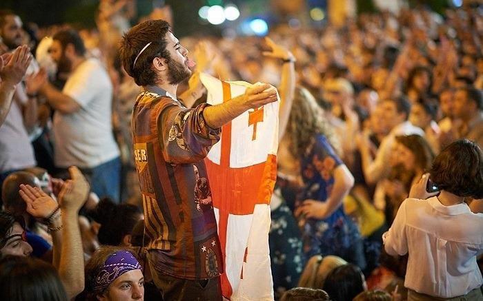 Кто стоит за протестами в Грузии? – Взгляд из Тбилиси