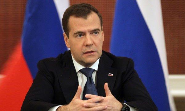 Медведев поздравил Али Асадова