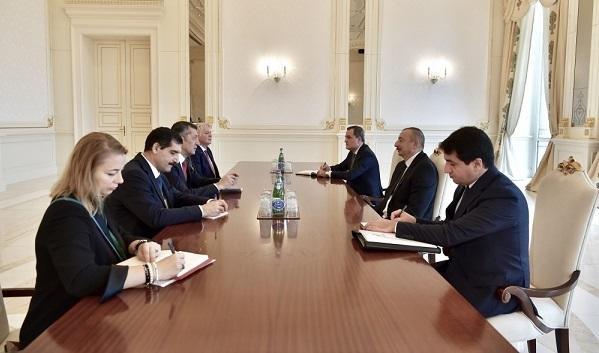 Ильхам Алиев принял министра образования Турции