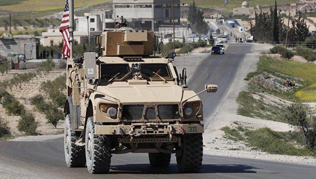Конвой Сирии встретился с отступающими силами США - Видео