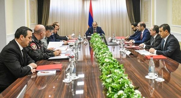Пашинян провел внеочередное заседание Совбеза