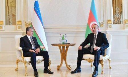Ильхам Алиев встретился с Мирзиёевым