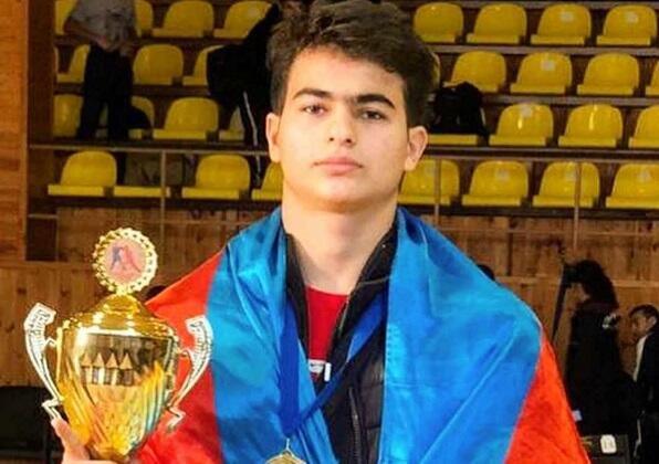 Бакинские школьники завоевали золото, обыграв армян