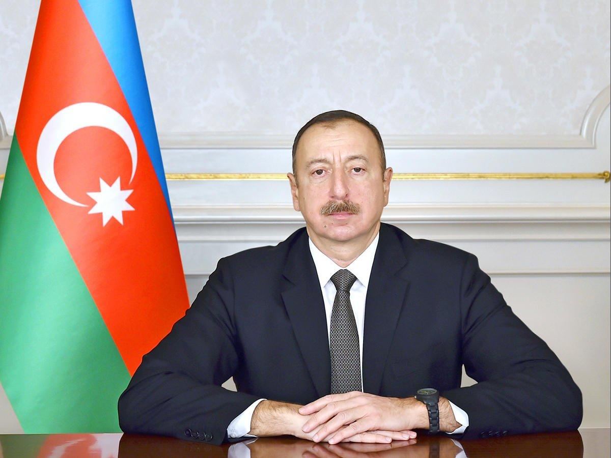 Публикация Президента в связи с днем памяти Гейдара Алиева