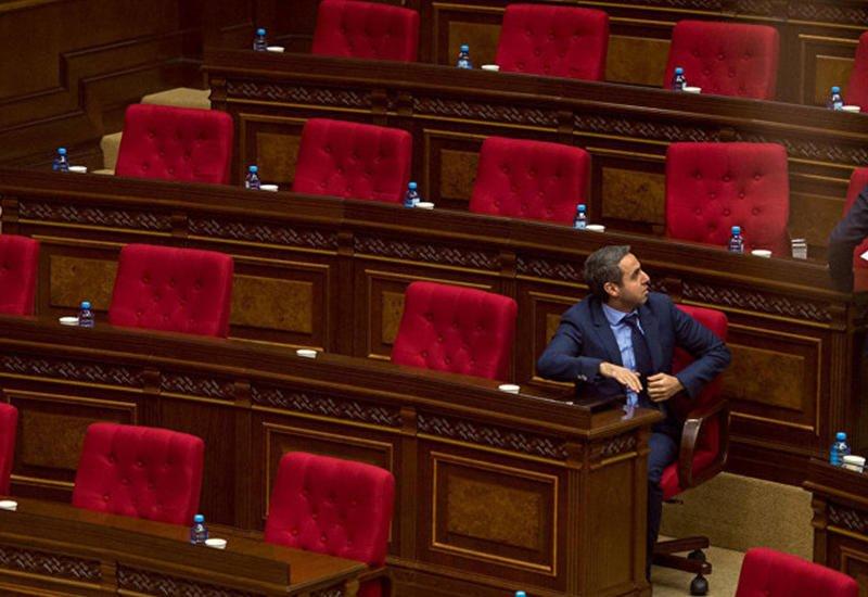 В Армении может появиться враждебный Пашиняну альтернативный парламент