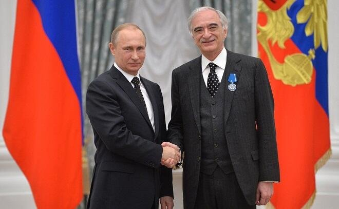 Путин поздравил Полада Бюльбюльоглы