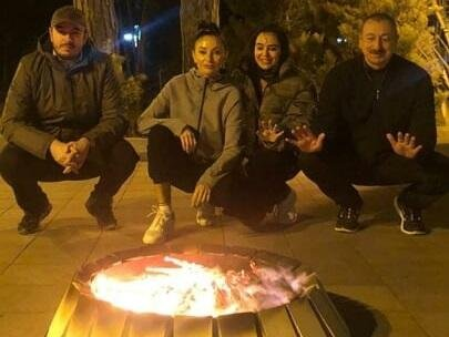 Ильхам Алиев с семьей отметил