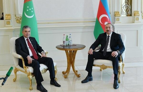 Ильхам Алиев встретился с Бердымухамедовым - Фото