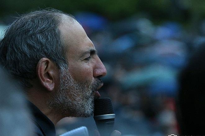 Пашинян угрожает армянам гражданской войной
