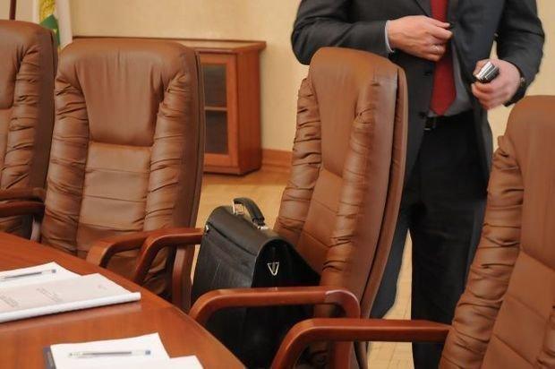Уволен глава аппарата Нацсовета телерадиовещания Азербайджана