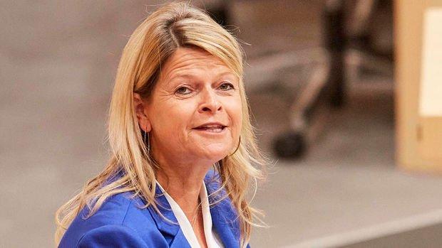 Министр обороны Австрии заболела COVID-19
