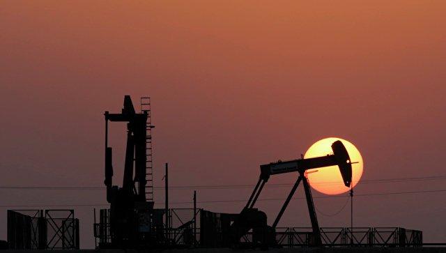 Цена нефти превысила 65 долларов