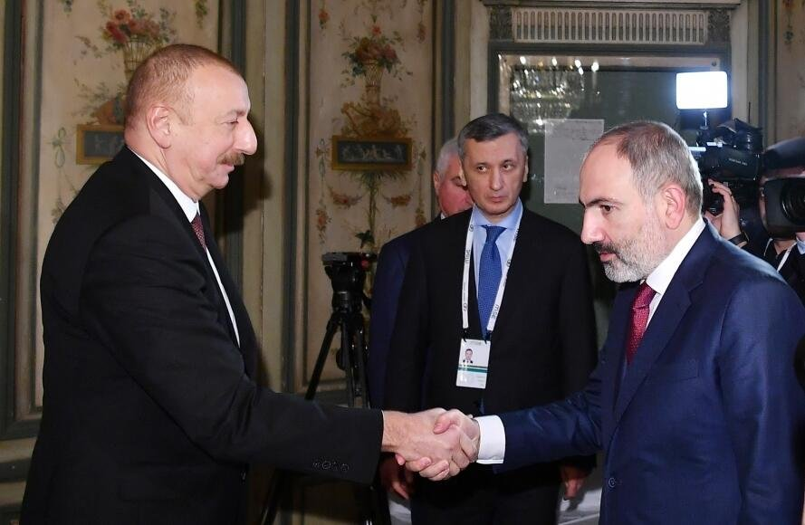 Пашинян просит разрешение у Алиева. Вопросы сняты