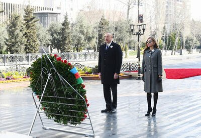 Президент Ильхам Алиев и Первая леди Мехрибан Алиева приняли участие в церемонии почтения памяти жертв Ходжалинского геноцида