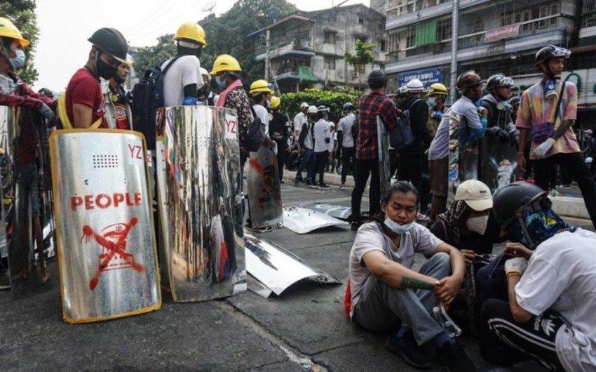 Число погибших при разгоне демонстраций в Мьянме превысило 70 человек