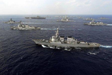 Авианосцы ВМС США из-за России получат истребители шестого поколения
