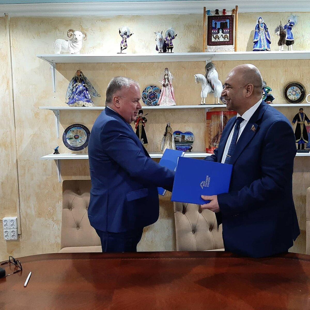 Прошла церемония подписания Соглашения между Домом народов России и АзерРос