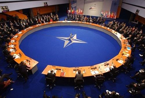 НАТО готов к диалогу с Россией