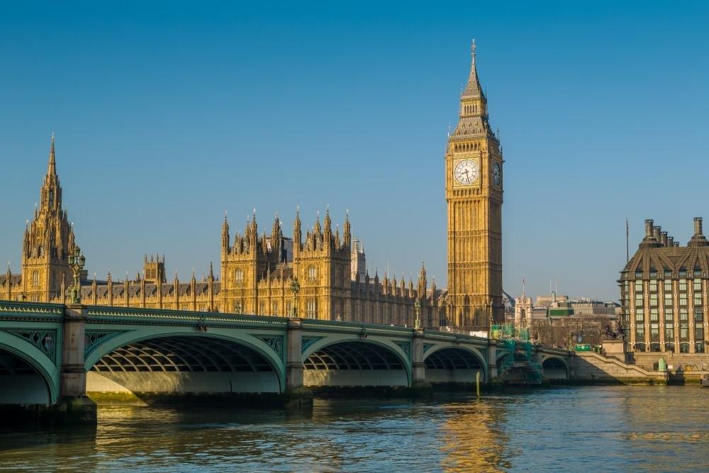 В Великобритании украли королевские драгоценности