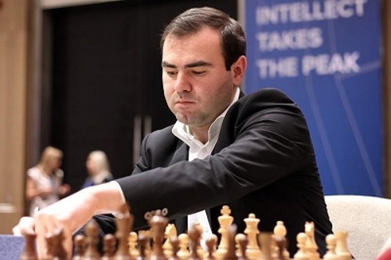 Мамедъяров победил Ароняна, Раджабов в числе лидеров