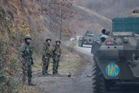 Российские миротворцы сопроводили азербайджанские войска