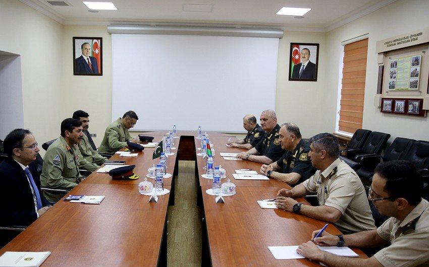 В Баку обсуждены направления военного сотрудничества между Азербайджаном и Пакистаном