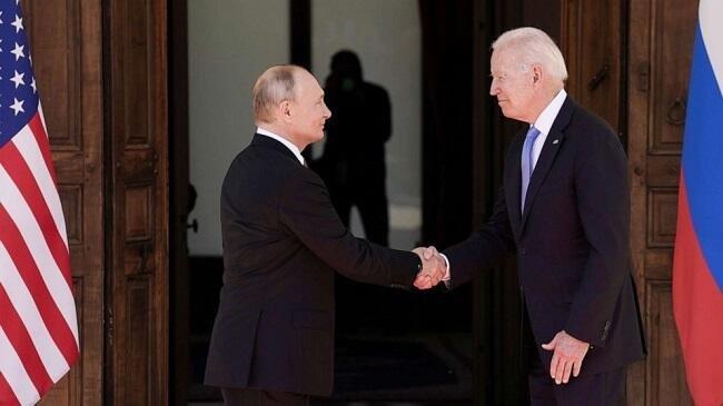 Путин и Байден договорились о возвращении послов