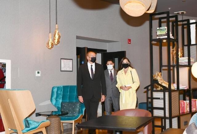 Ильхам Алиев на открытии отеля - Фото