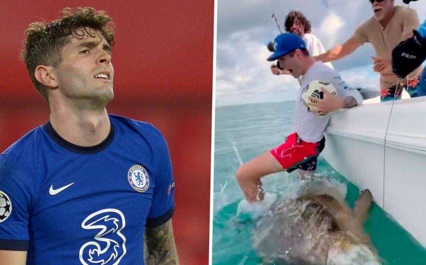 Известного футболиста раскритиковали из-за обращения с редкой рыбой