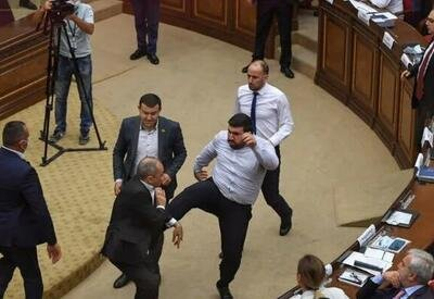 Спикер достал из кармана удаление: по мотивам мордобоя в армянском парламенте - АКТУАЛЬНО от Акпера Гасанова