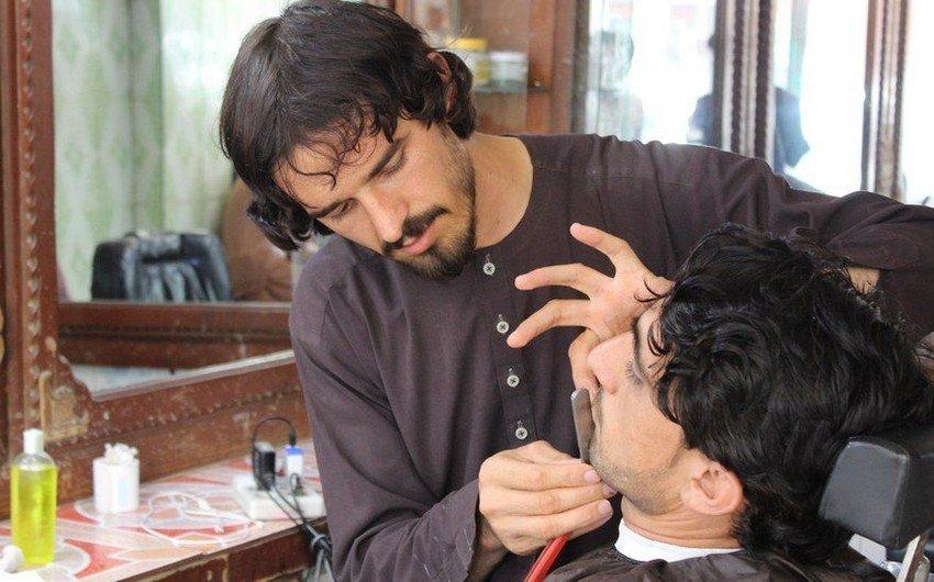 Талибы запретили мужчинам брить бороды и посещать барбершопы