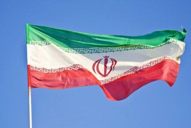 İranın Azərbaycandakı səfirliyində bayraq endirildi