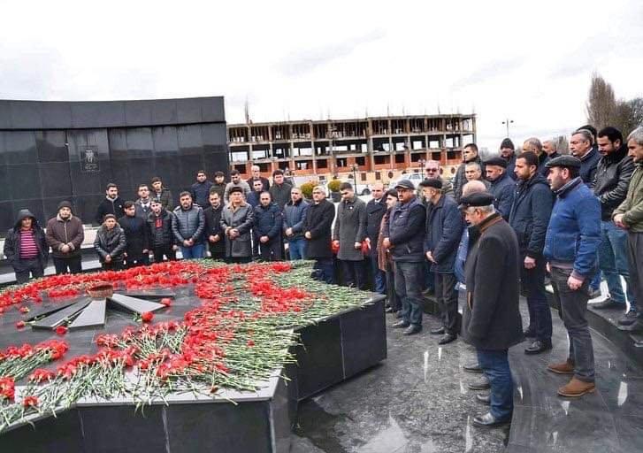 Murad Cəfərov Lənkəranda Şəhidlər Xiyabanını ziyarət edib
