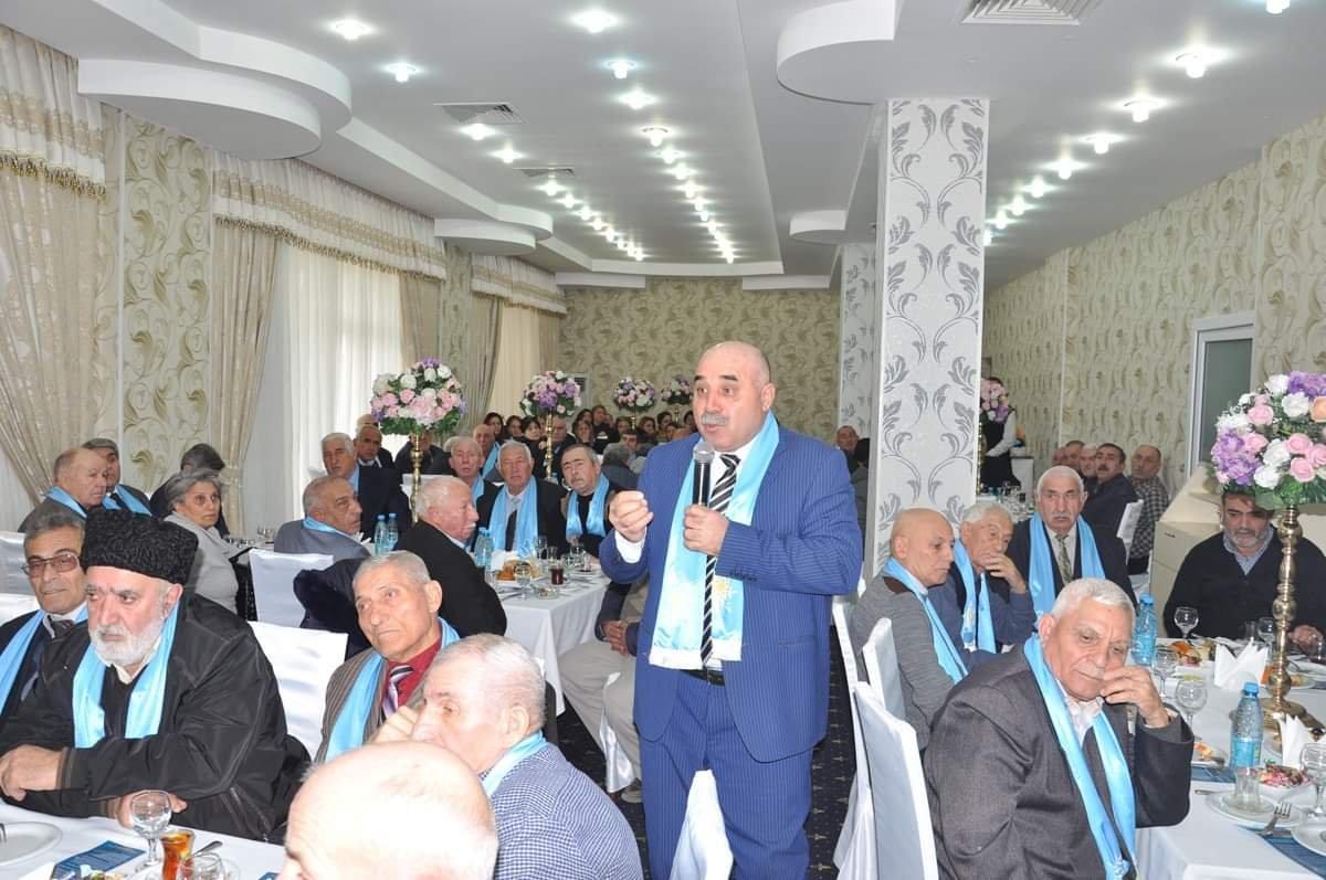 Rauf Əliyev Pirallahıda seçicilərlə görüş keçirib