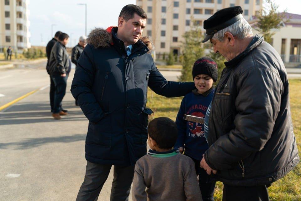 Emin Əliyev Sabirabad və Şirvanda məskunlaşan seçiciləri ilə görüşüb - FOTOLAR