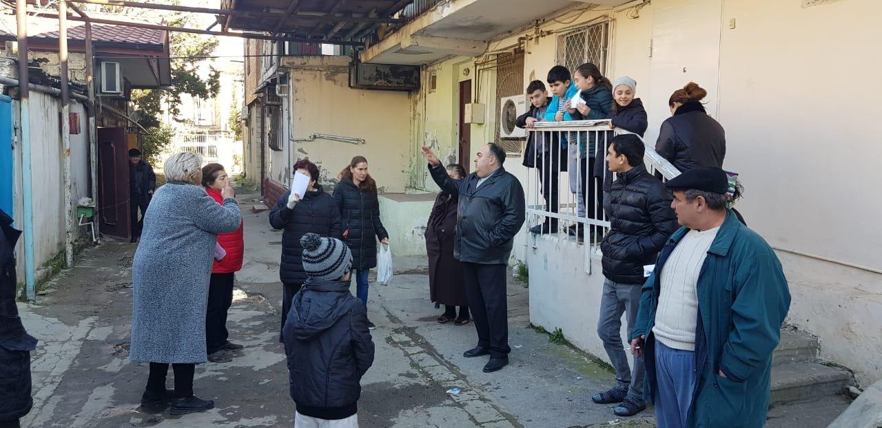 Vətəndaşlar deputatlığa namizədi evlərinə dəvət etdi