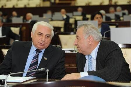Hadi Rəcəbli parlamentlə sağollaşdı