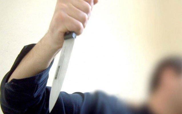 28 yaşlı oğlan başından bıçaqlandı