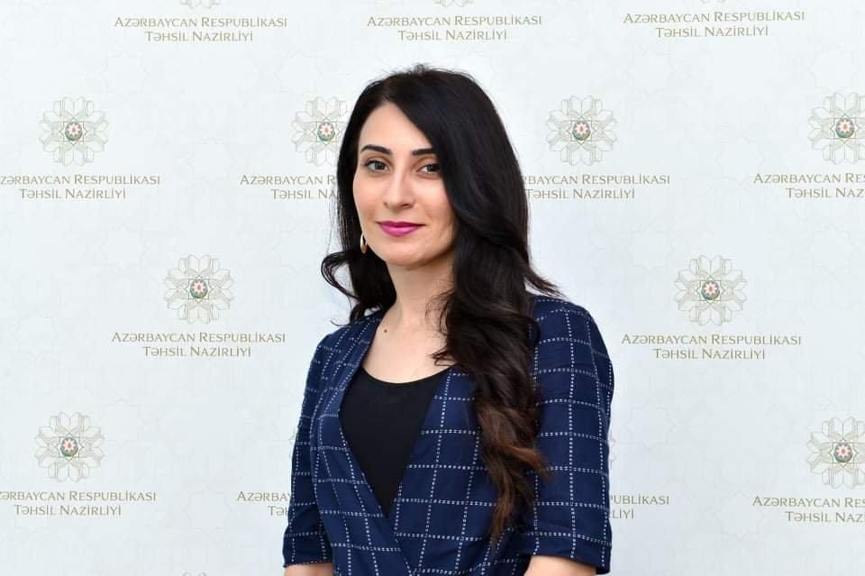 Dərsliklər ictimai müzakirədə: Təhsil Nazirliyi hədəflərini açıqladı - MÜSAHİBƏ