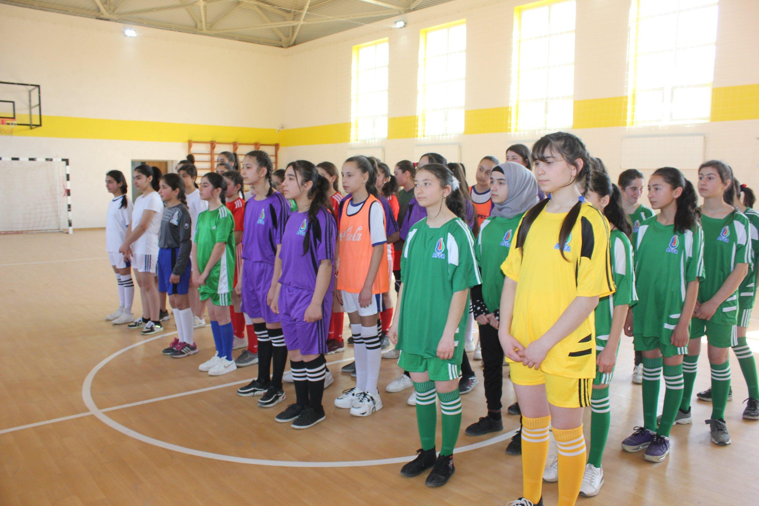 Qubada Gənclər Fondunun dəstəyi ilə qızlar arasında futzal yarışı keçirilib