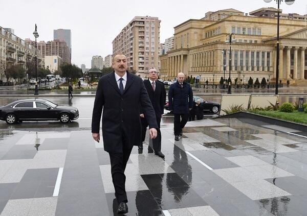 Prezident Xətainin heykəlinin köçürüldüyü parkda