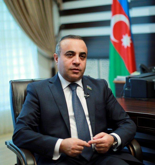 """Azay Quliyev """"Nezavisimaya qazeta""""nı müdafiə etdi"""