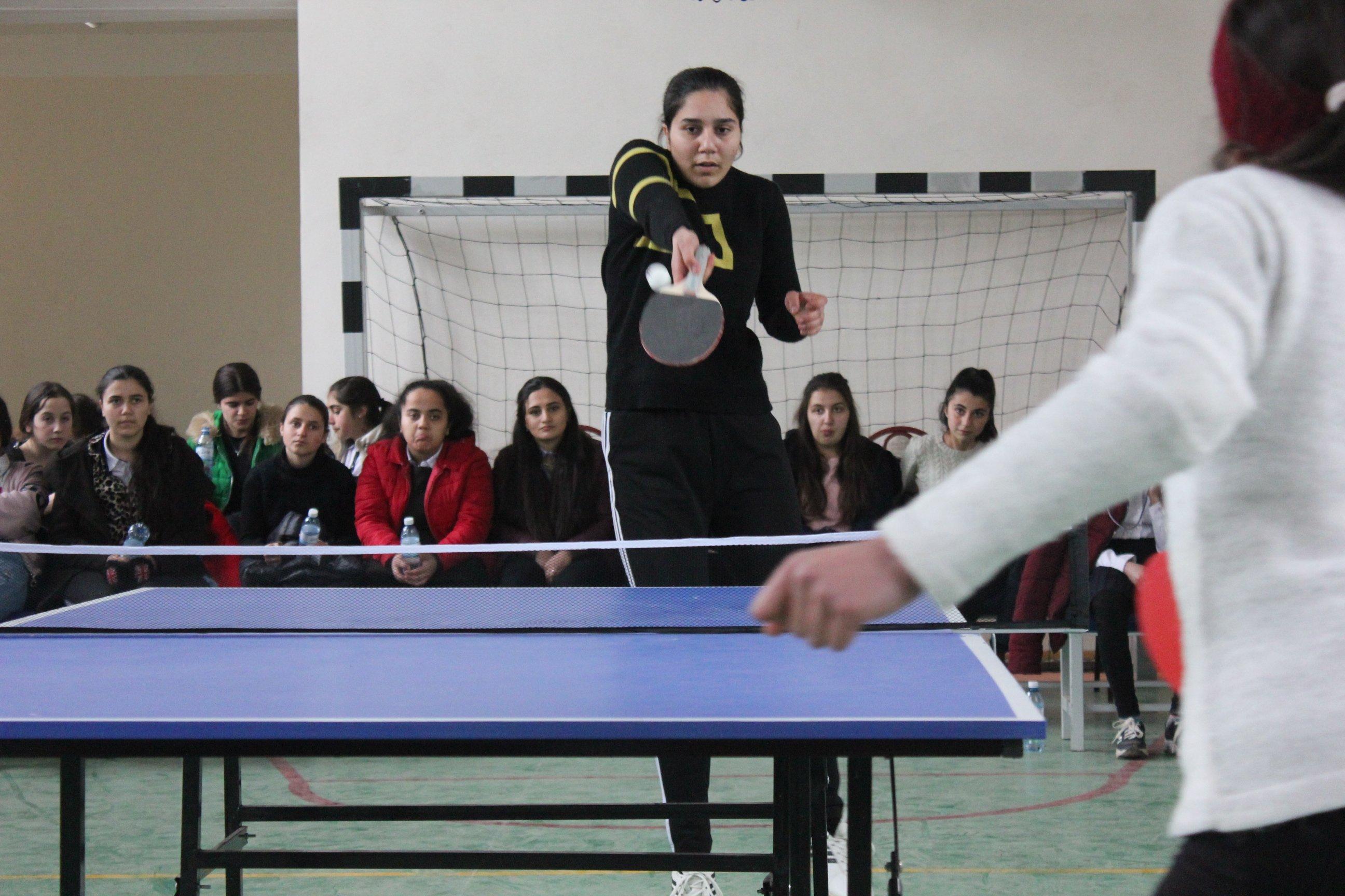 Qubada qızlar tennis yarışında qüvvəsini sınayıb