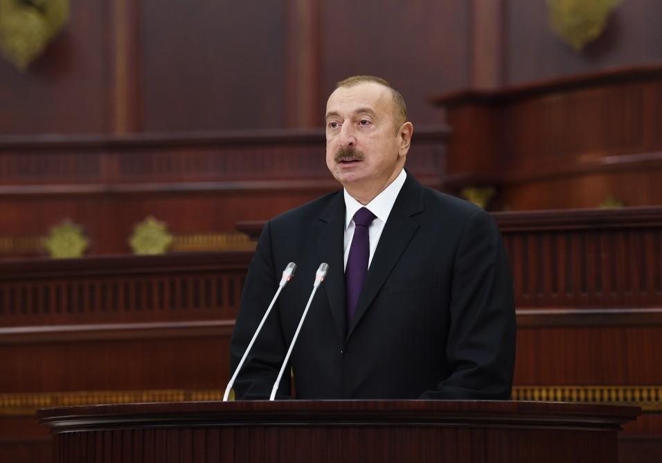 İlk plenar iclas başladı: Prezident MM-ə gəldi