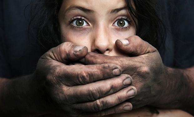 Kişi azyaşlı qıza narkotik verib zorladı — Bakıda ŞOK
