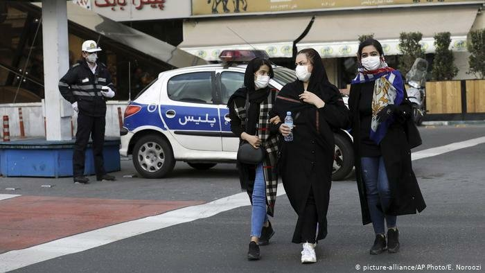 İranda koronavirusdan ölənlərin sayı 2077-yə çatdı