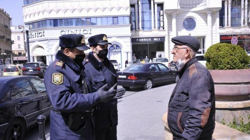 Polis küçəyə çıxanlara xəbərdarlıq edir