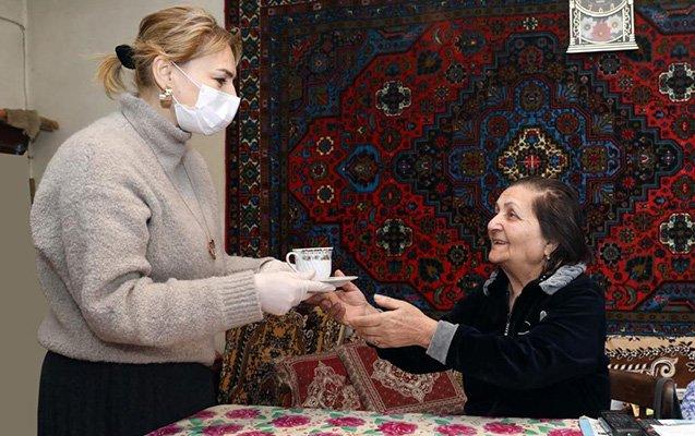 DOST könüllüləri tənha yaşlıların xidmətində - FOTOLAR