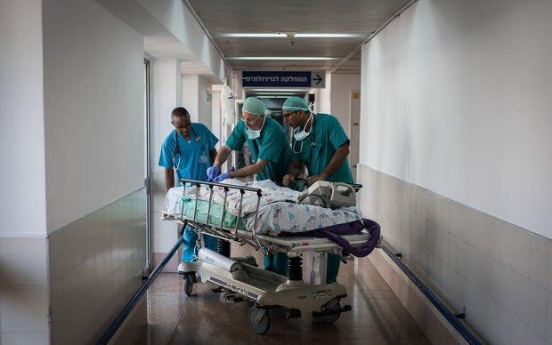 İsraildə koronavirusdan ölənlərin sayı 18-ə çatdı, polis sinaqoqlarda reyd keçirdi